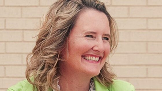 Mary Demuth on Thriving Beyond Belief with Cheryl Scruggs