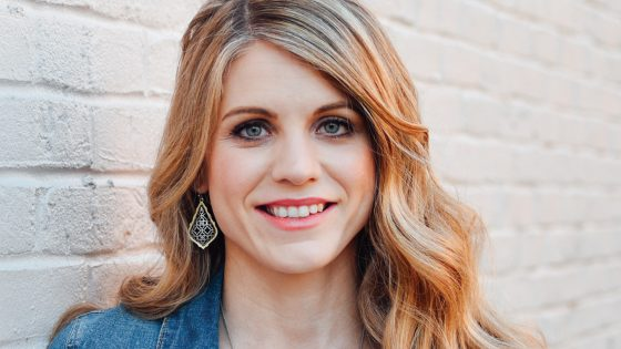 Crystal Paine on Thriving Beyond Belief with Cheryl Scruggs