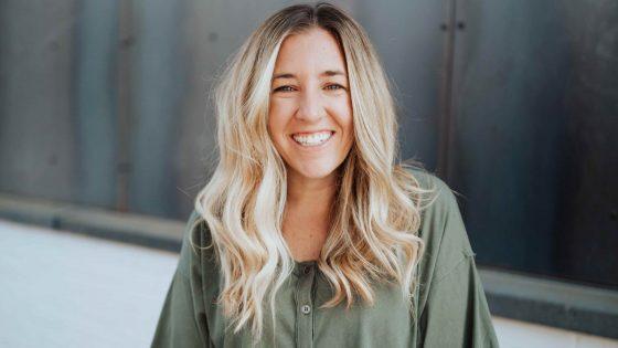Kelsey Chapman on Thriving Beyond Belief with Cheryl Scruggs